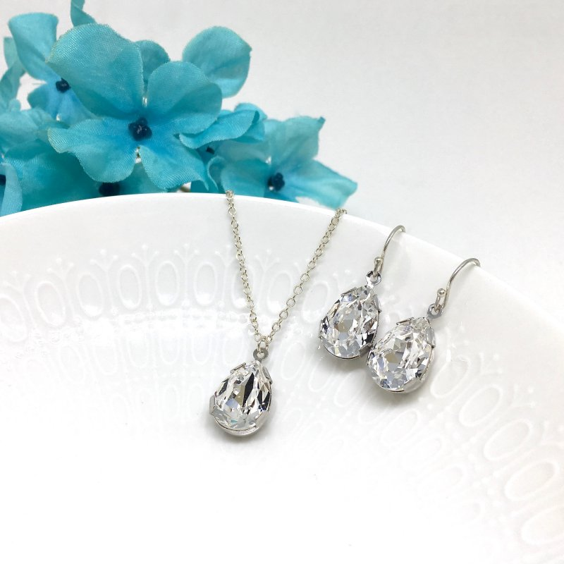 Necklace With Backdrop rhinestone pear prom jewelry