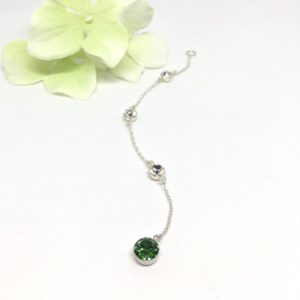 Green Backdrop Necklace