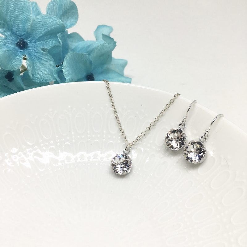 Solitaire Cubic Zirconia Necklace Backdrop Bridal Necklace