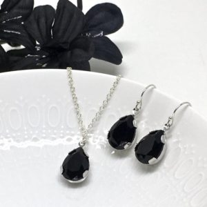 Prom Jewelry Black Pear Solitaire