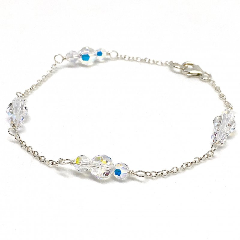 Round shaped crystal bridal bracelet